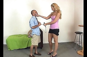 KissHerFoot.com - Femdom coupled with foot worship - Mistres Mandi