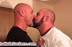 Bear bubba gets aggravation fingered 3 by alphamalesuckers