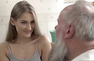 Teen belle vs age-old granddad - tiffany tatum and albert