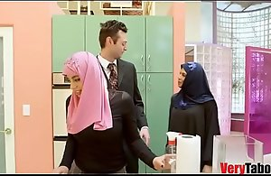 Doll Yon HIJAB rides say itty-bitty to stepdad- DUBAI N