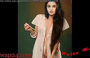 Alia Bhatt bollywood Nipple plus breast (sexwap24.com)
