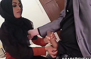 Pulchritudinous muslim babe fucks for a nomination to stay for rub-down turnover