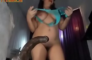 Arab girl playing with dildo - 777cams.nl