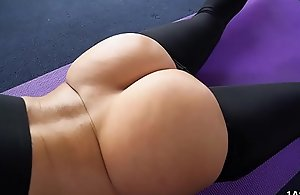 Chubby With Arse Jada Stevens Takes Chubby Load of shit After Yoga