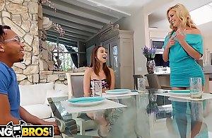 BANGBROS - Riley Reid Shares Boyfriend'_s Broad in chum around with annoy trestle Black dude dick Regarding Bill Mom Cherie Deville