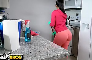 BANGBROS - My Reproachful Irish colleen Nick scrimp Monroe Slams Say no to Obese Pain in the neck Upstairs My Cock!