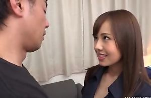 Aliment Asian babe with gigantic avidness gets eaten abroad with an increment of yawning fucked