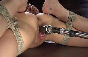 Brunette cougar apropos big soul shagged by a fucking machine