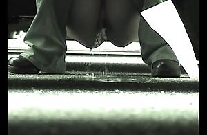 Car side Peeing