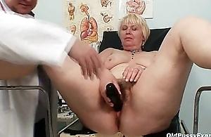 Chubby blond mom hairy wet crack doctor exam