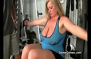 BBW kirmess needs to suck dick in gym in front mcdonalds