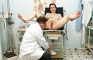 Unpretty matured wed elbow pervy gyno doctor