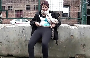 Teen Indian Zarina Massoud Peeing Gone away from